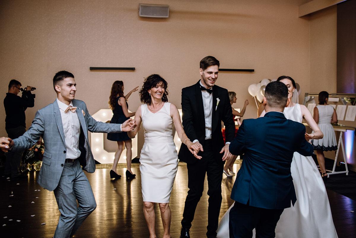 Swietliste-fotografia-slubna-Bydgoszcz-kosciol-sw-Mateusza-Apostola-Badkowo-Hotel-Amazonka-Ciechocinek-Natalia-Przemek-151