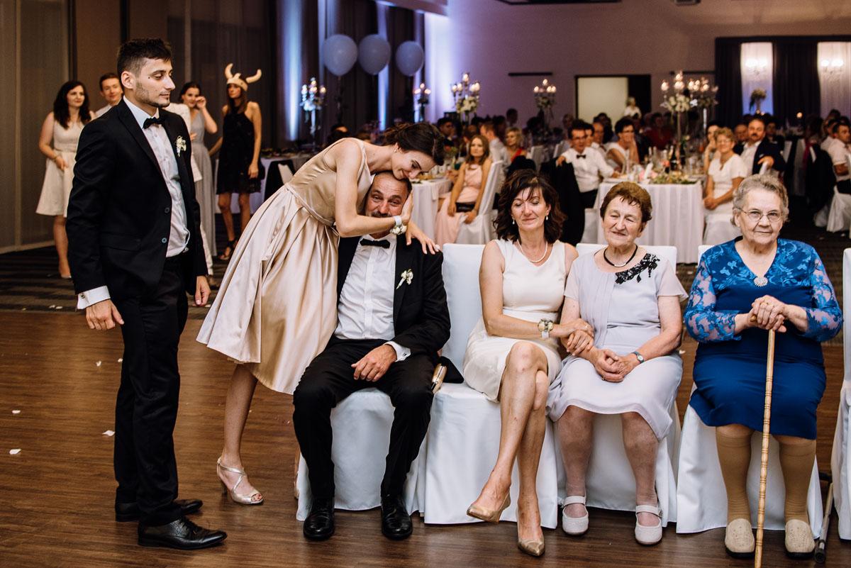 Swietliste-fotografia-slubna-Bydgoszcz-kosciol-sw-Mateusza-Apostola-Badkowo-Hotel-Amazonka-Ciechocinek-Natalia-Przemek-208