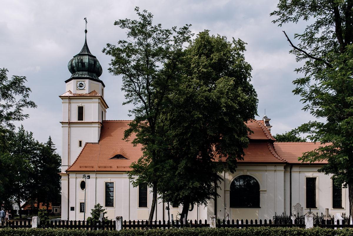 reportaz-slubny-Ola-Kamil-slub-kosciol-sw-Stanislawa-wesele-restauracja-Lesna-Solec-Kujawski-Swietliste-fotografujemy-emocje-036