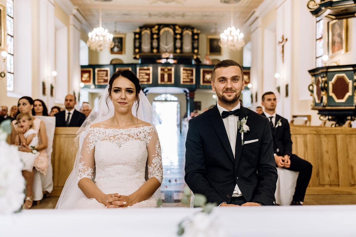 reportaz-slubny-Ola-Kamil-slub-kosciol-sw-Stanislawa-wesele-restauracja-Lesna-Solec-Kujawski-Swietliste-fotografujemy-emocje-073