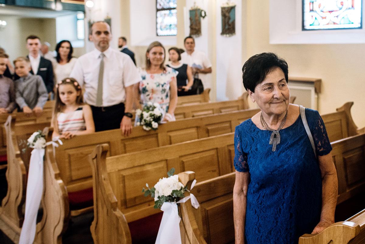 reportaz-slubny-Ola-Kamil-slub-kosciol-sw-Stanislawa-wesele-restauracja-Lesna-Solec-Kujawski-Swietliste-fotografujemy-emocje-080