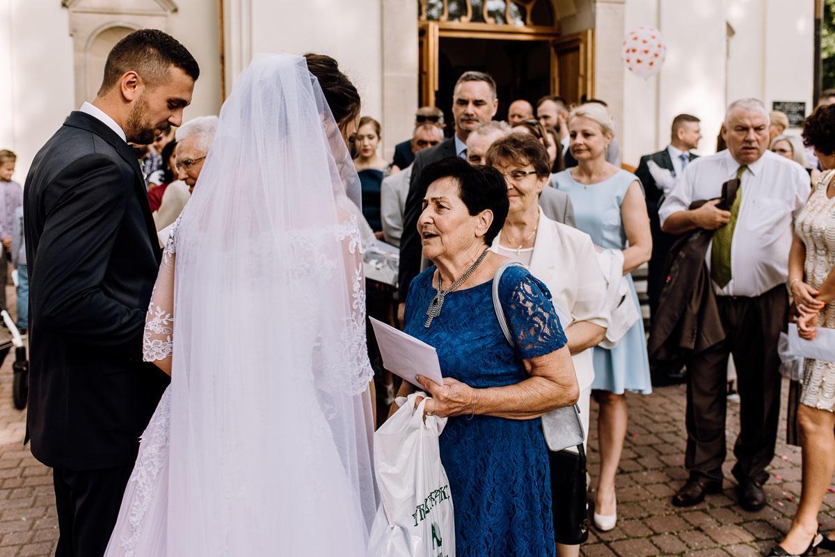reportaz-slubny-Ola-Kamil-slub-kosciol-sw-Stanislawa-wesele-restauracja-Lesna-Solec-Kujawski-Swietliste-fotografujemy-emocje-086