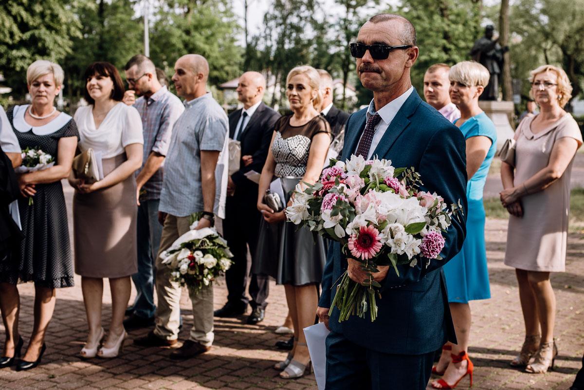 reportaz-slubny-Ola-Kamil-slub-kosciol-sw-Stanislawa-wesele-restauracja-Lesna-Solec-Kujawski-Swietliste-fotografujemy-emocje-088