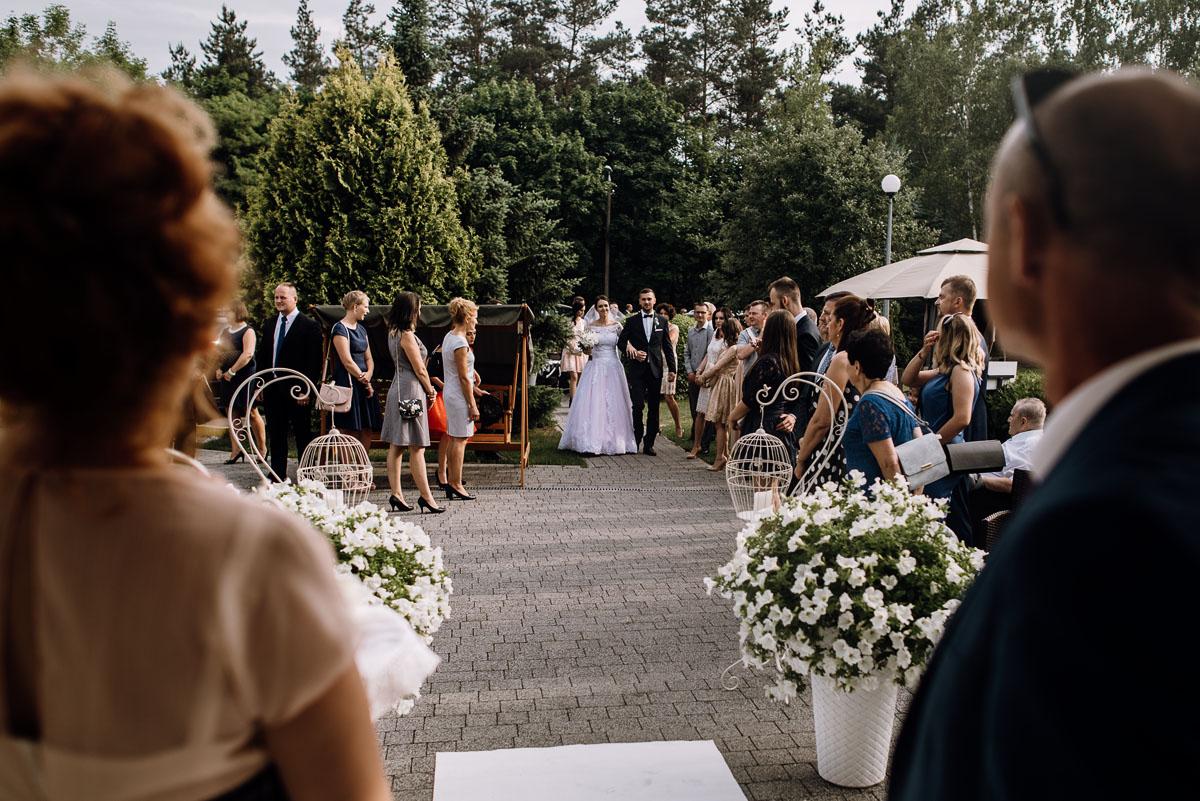 reportaz-slubny-Ola-Kamil-slub-kosciol-sw-Stanislawa-wesele-restauracja-Lesna-Solec-Kujawski-Swietliste-fotografujemy-emocje-101