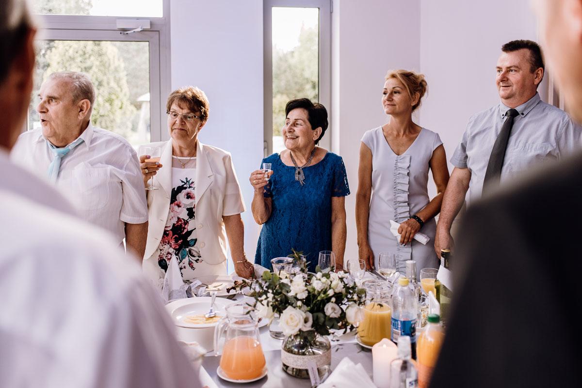 reportaz-slubny-Ola-Kamil-slub-kosciol-sw-Stanislawa-wesele-restauracja-Lesna-Solec-Kujawski-Swietliste-fotografujemy-emocje-110