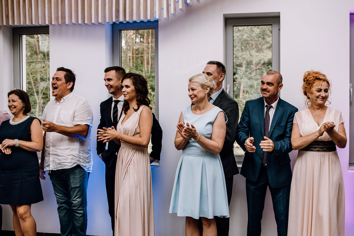 reportaz-slubny-Ola-Kamil-slub-kosciol-sw-Stanislawa-wesele-restauracja-Lesna-Solec-Kujawski-Swietliste-fotografujemy-emocje-112