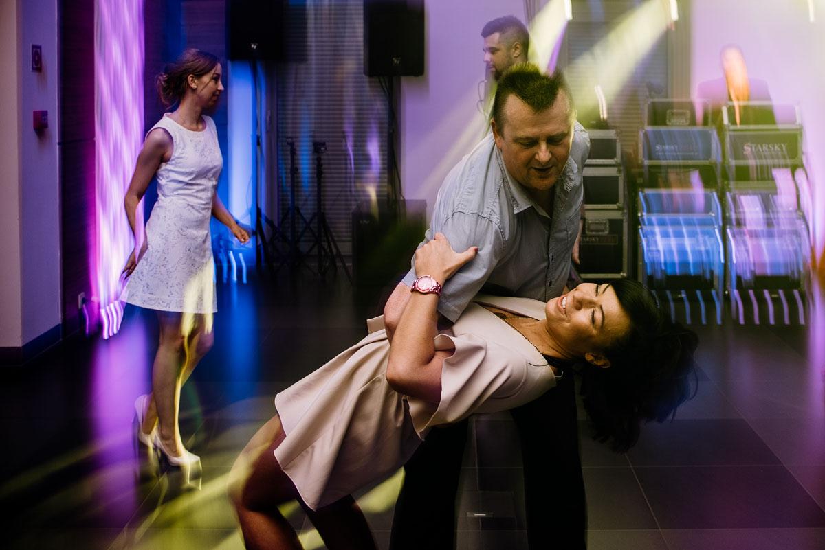reportaz-slubny-Ola-Kamil-slub-kosciol-sw-Stanislawa-wesele-restauracja-Lesna-Solec-Kujawski-Swietliste-fotografujemy-emocje-143