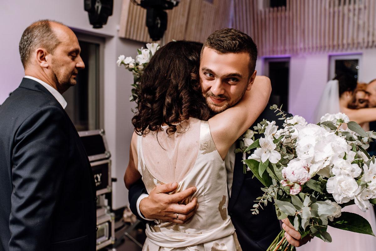 reportaz-slubny-Ola-Kamil-slub-kosciol-sw-Stanislawa-wesele-restauracja-Lesna-Solec-Kujawski-Swietliste-fotografujemy-emocje-166