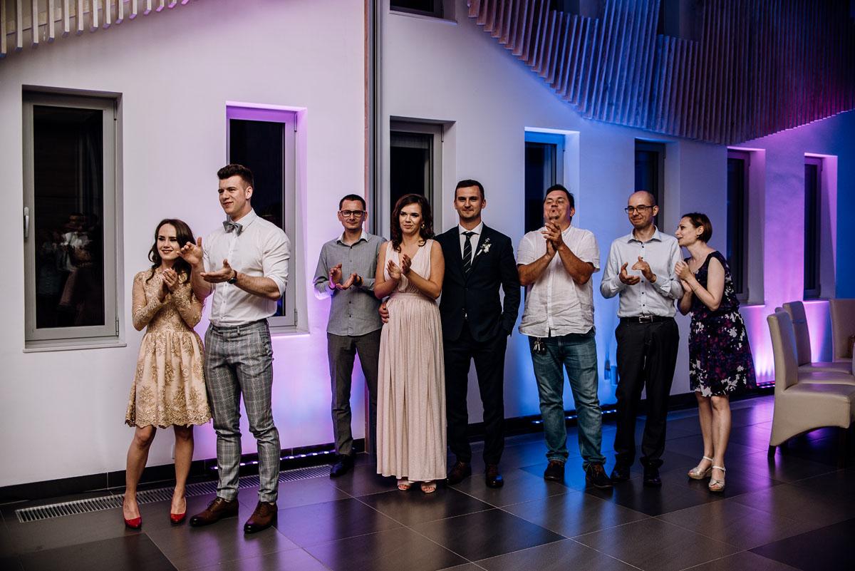 reportaz-slubny-Ola-Kamil-slub-kosciol-sw-Stanislawa-wesele-restauracja-Lesna-Solec-Kujawski-Swietliste-fotografujemy-emocje-171