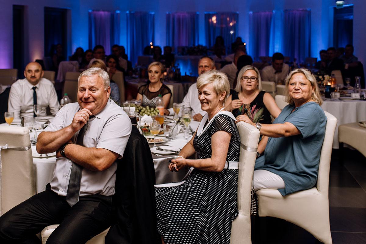 reportaz-slubny-Ola-Kamil-slub-kosciol-sw-Stanislawa-wesele-restauracja-Lesna-Solec-Kujawski-Swietliste-fotografujemy-emocje-196