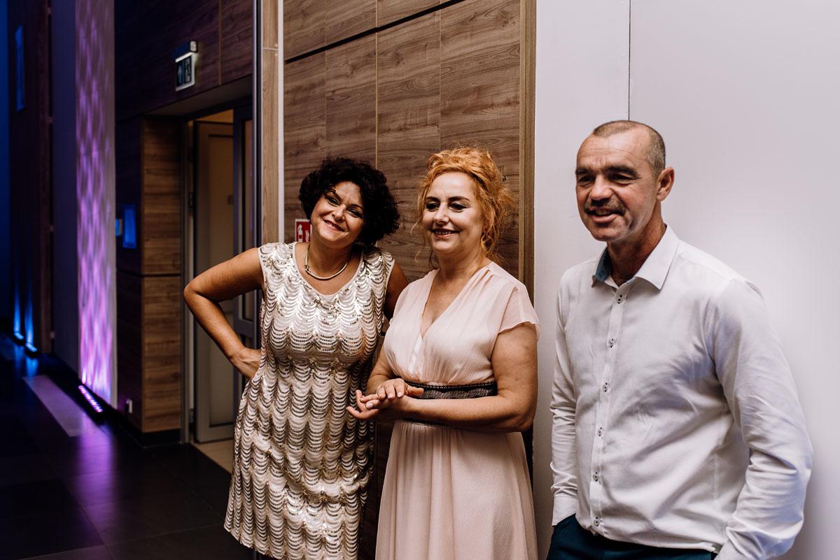 reportaz-slubny-Ola-Kamil-slub-kosciol-sw-Stanislawa-wesele-restauracja-Lesna-Solec-Kujawski-Swietliste-fotografujemy-emocje-201