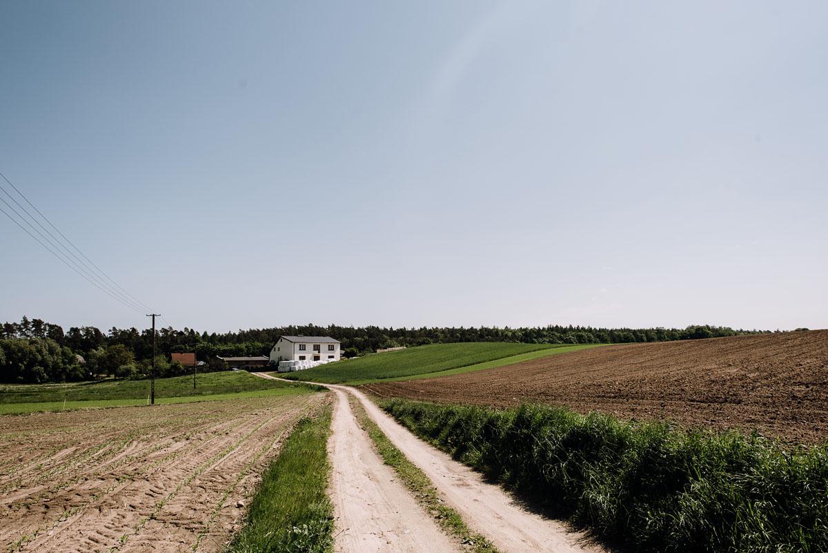 reportaz-slubny-Torun-kosciol-Swietego-Marcina-Biskupa-Gorale-wesele-Ryteblota-Resort-SPA-fotograf-swietliste-fotografujemy-emocje-001