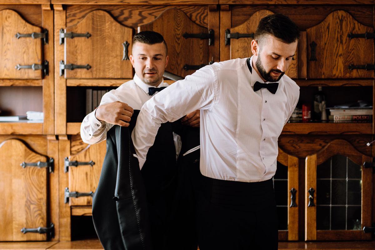 reportaz-slubny-Torun-kosciol-Swietego-Marcina-Biskupa-Gorale-wesele-Ryteblota-Resort-SPA-fotograf-swietliste-fotografujemy-emocje-020
