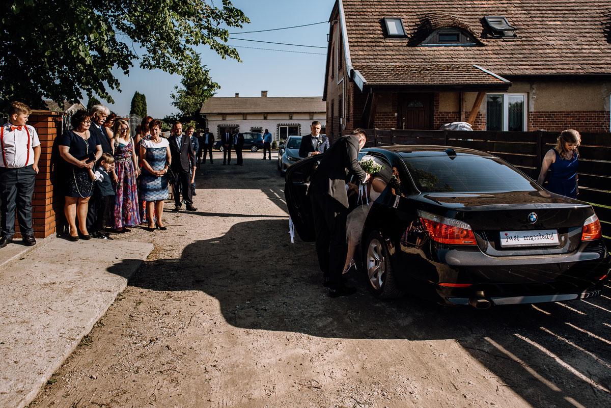 reportaz-slubny-Torun-kosciol-Swietego-Marcina-Biskupa-Gorale-wesele-Ryteblota-Resort-SPA-fotograf-swietliste-fotografujemy-emocje-039