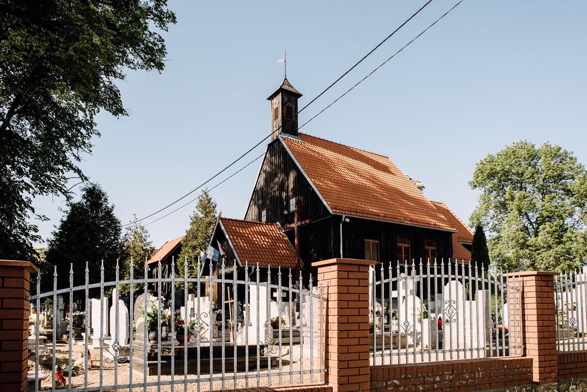 reportaz-slubny-Torun-kosciol-Swietego-Marcina-Biskupa-Gorale-wesele-Ryteblota-Resort-SPA-fotograf-swietliste-fotografujemy-emocje-041