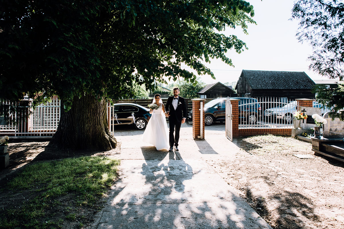 reportaz-slubny-Torun-kosciol-Swietego-Marcina-Biskupa-Gorale-wesele-Ryteblota-Resort-SPA-fotograf-swietliste-fotografujemy-emocje-044