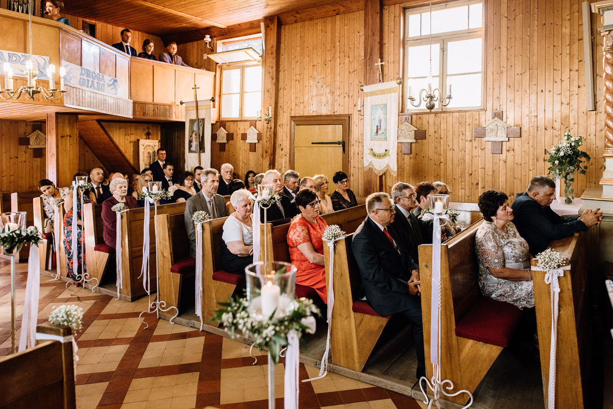 reportaz-slubny-Torun-kosciol-Swietego-Marcina-Biskupa-Gorale-wesele-Ryteblota-Resort-SPA-fotograf-swietliste-fotografujemy-emocje-049