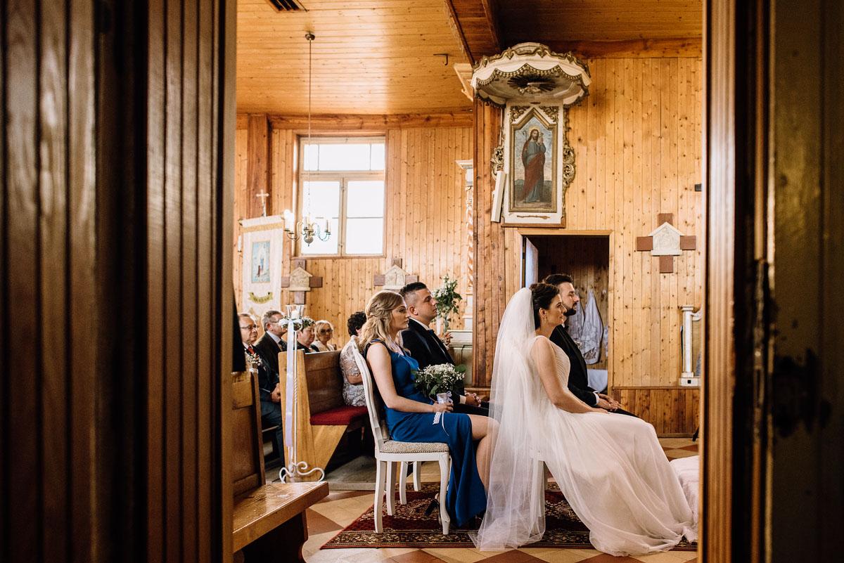 reportaz-slubny-Torun-kosciol-Swietego-Marcina-Biskupa-Gorale-wesele-Ryteblota-Resort-SPA-fotograf-swietliste-fotografujemy-emocje-052