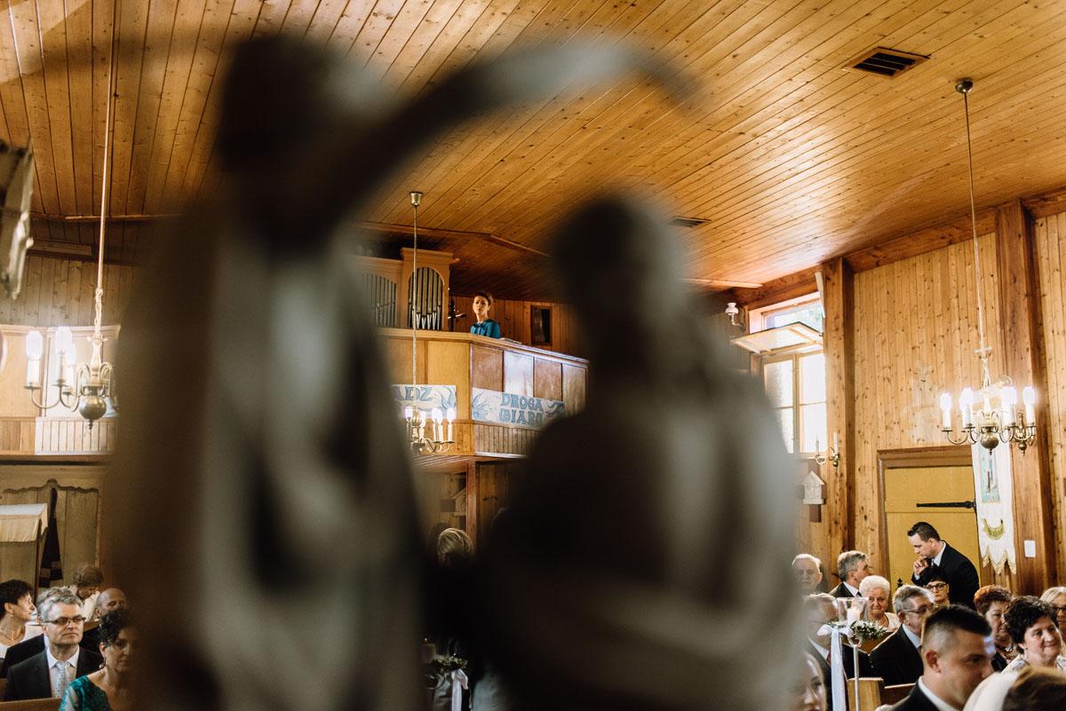 reportaz-slubny-Torun-kosciol-Swietego-Marcina-Biskupa-Gorale-wesele-Ryteblota-Resort-SPA-fotograf-swietliste-fotografujemy-emocje-073