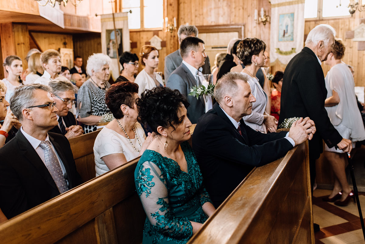 reportaz-slubny-Torun-kosciol-Swietego-Marcina-Biskupa-Gorale-wesele-Ryteblota-Resort-SPA-fotograf-swietliste-fotografujemy-emocje-076