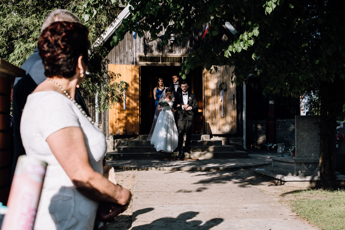 reportaz-slubny-Torun-kosciol-Swietego-Marcina-Biskupa-Gorale-wesele-Ryteblota-Resort-SPA-fotograf-swietliste-fotografujemy-emocje-084