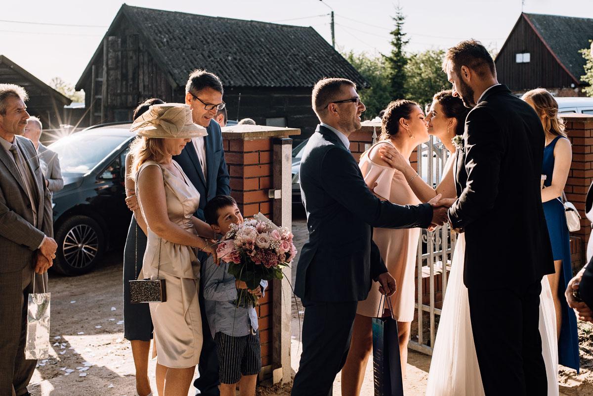reportaz-slubny-Torun-kosciol-Swietego-Marcina-Biskupa-Gorale-wesele-Ryteblota-Resort-SPA-fotograf-swietliste-fotografujemy-emocje-093
