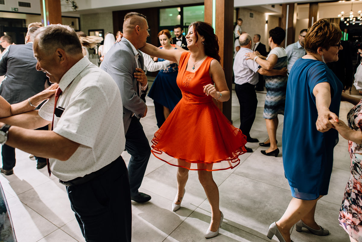 reportaz-slubny-Torun-kosciol-Swietego-Marcina-Biskupa-Gorale-wesele-Ryteblota-Resort-SPA-fotograf-swietliste-fotografujemy-emocje-144