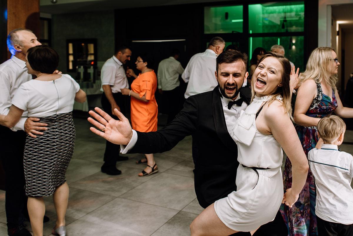 reportaz-slubny-Torun-kosciol-Swietego-Marcina-Biskupa-Gorale-wesele-Ryteblota-Resort-SPA-fotograf-swietliste-fotografujemy-emocje-149