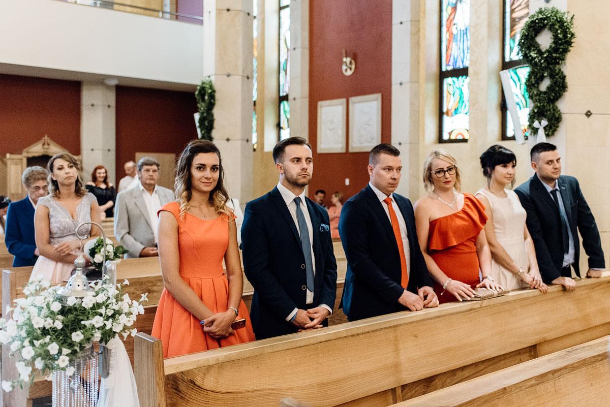 reportaz-slubny-dworek-Milusin-Zielonka-kosciol-Michala-Kozala-Biskupa-Meczennika-Bydgoszcz-Swietliste-fotografujemy-emocje-Justyna-Tomasz-060
