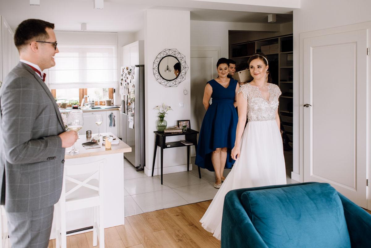 alternatywny-slub-wesele-w-stylu-slow-wedding-szklana-stodola-Bozenkowo-Swietliste-fotografujemy-emocje-Magda-Jakub-025