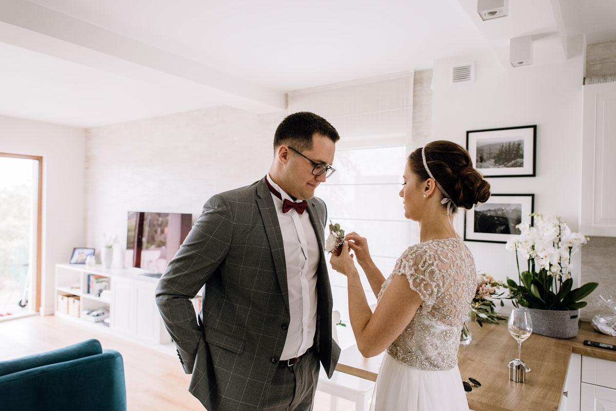 alternatywny-slub-wesele-w-stylu-slow-wedding-szklana-stodola-Bozenkowo-Swietliste-fotografujemy-emocje-Magda-Jakub-027