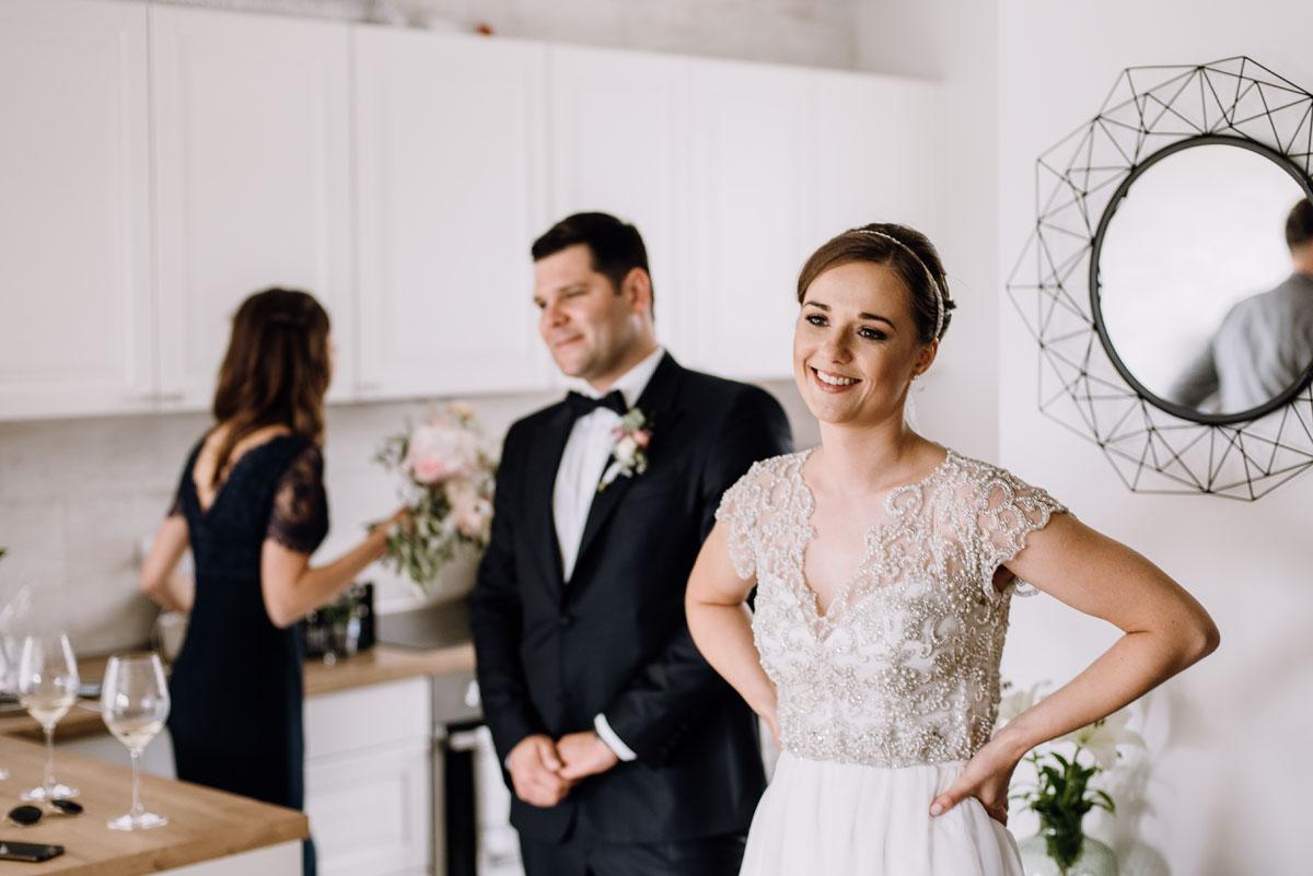 alternatywny-slub-wesele-w-stylu-slow-wedding-szklana-stodola-Bozenkowo-Swietliste-fotografujemy-emocje-Magda-Jakub-038