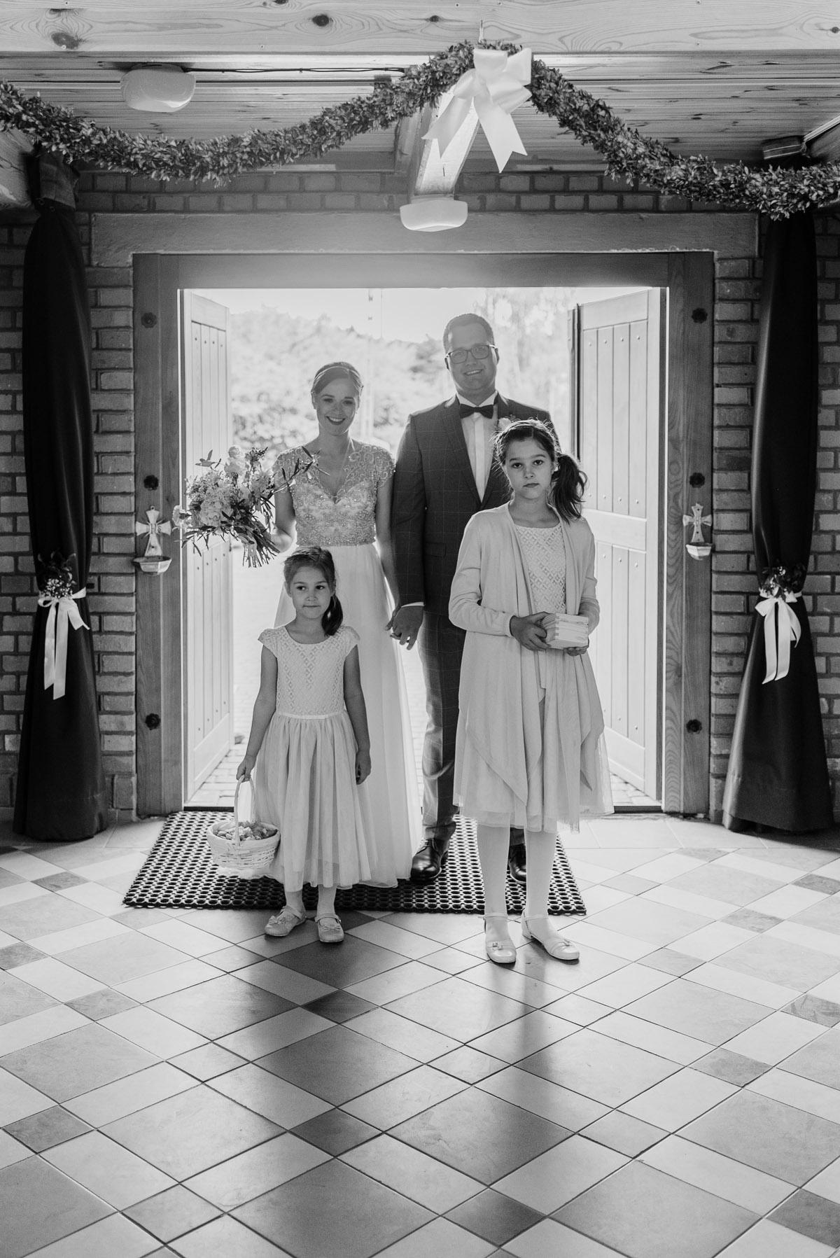 alternatywny-slub-wesele-w-stylu-slow-wedding-szklana-stodola-Bozenkowo-Swietliste-fotografujemy-emocje-Magda-Jakub-058