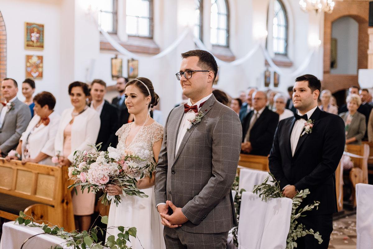 alternatywny-slub-wesele-w-stylu-slow-wedding-szklana-stodola-Bozenkowo-Swietliste-fotografujemy-emocje-Magda-Jakub-063