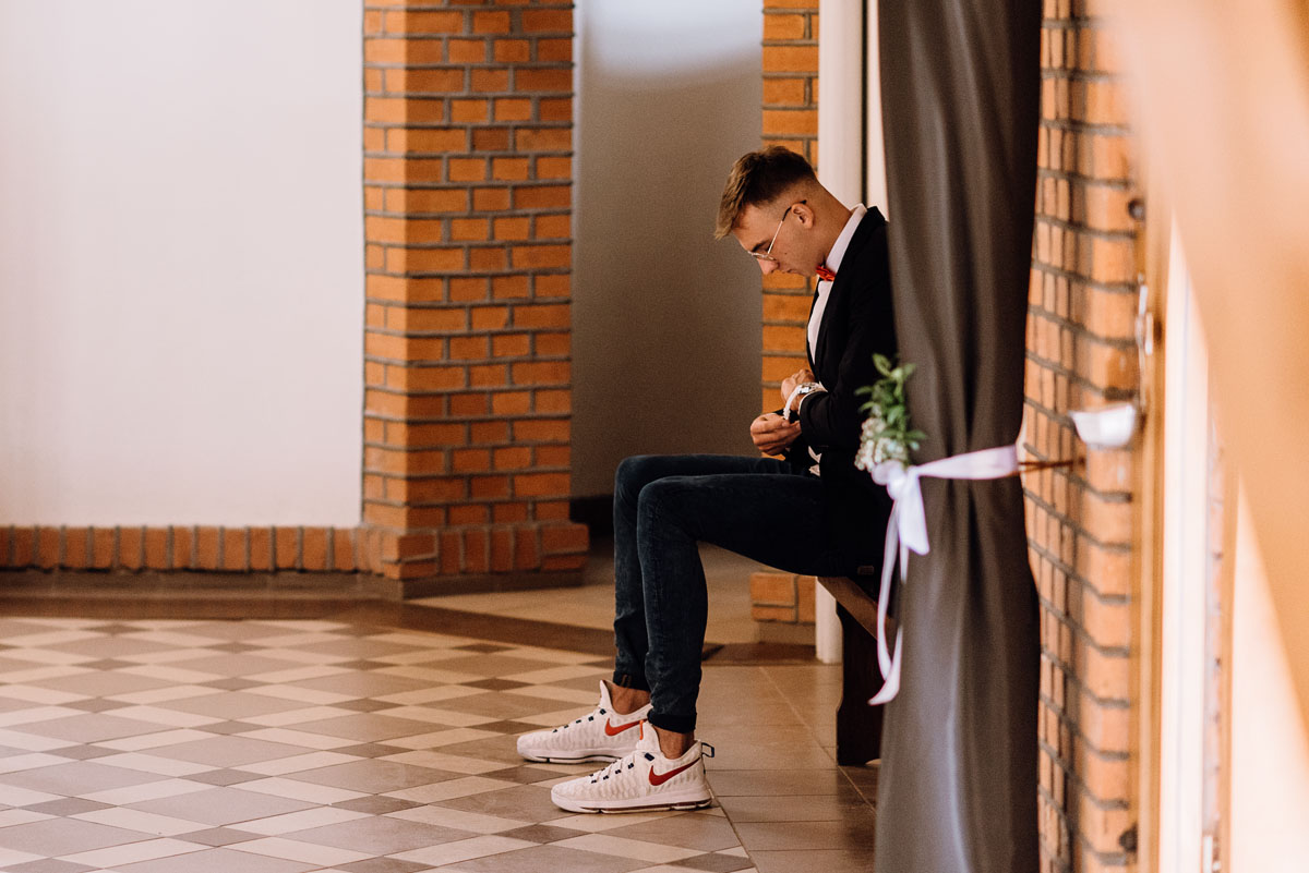 alternatywny-slub-wesele-w-stylu-slow-wedding-szklana-stodola-Bozenkowo-Swietliste-fotografujemy-emocje-Magda-Jakub-070