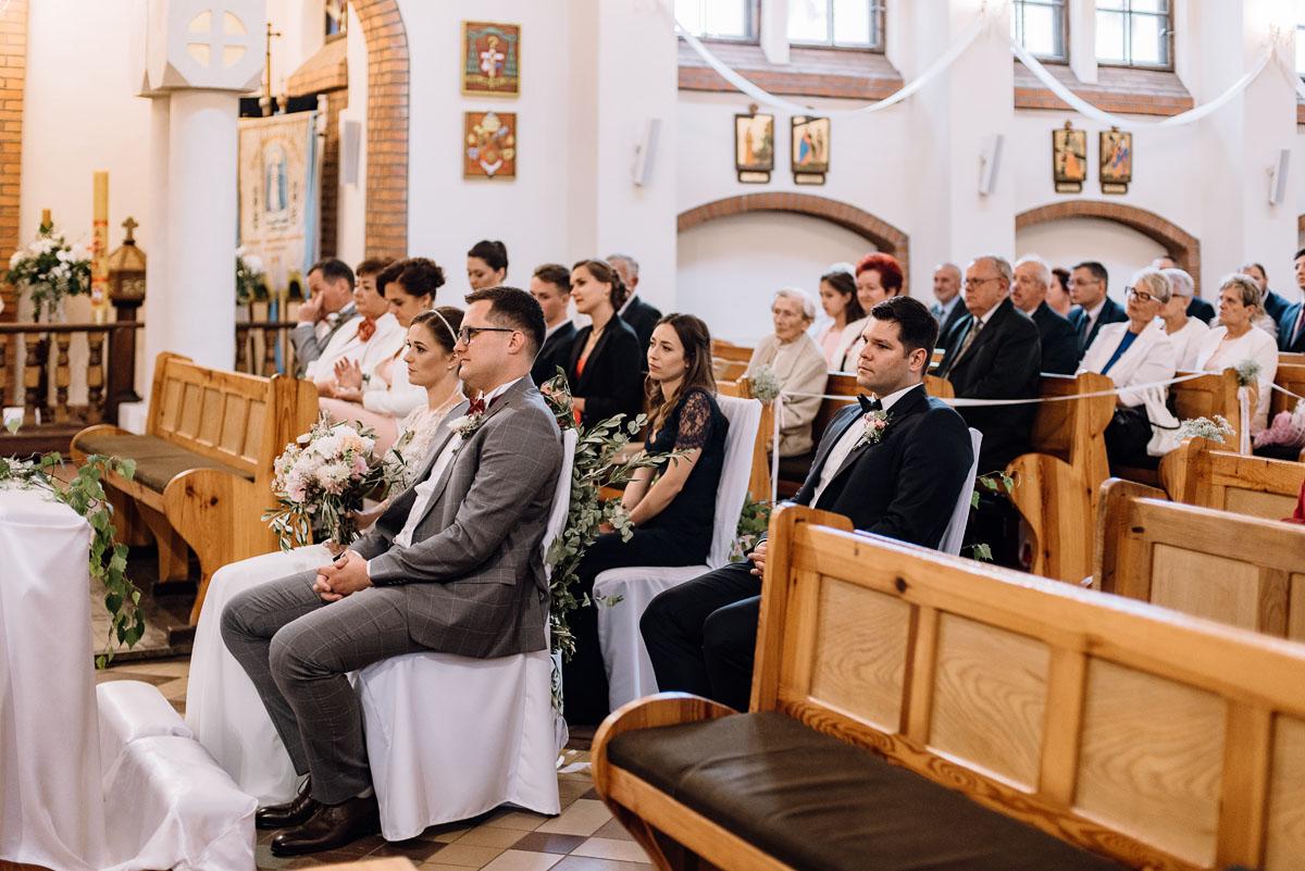 alternatywny-slub-wesele-w-stylu-slow-wedding-szklana-stodola-Bozenkowo-Swietliste-fotografujemy-emocje-Magda-Jakub-073