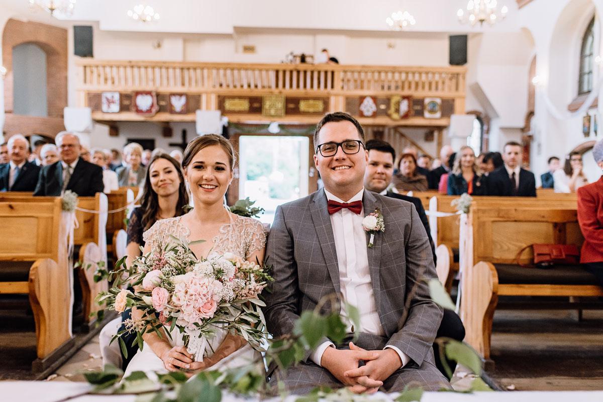 alternatywny-slub-wesele-w-stylu-slow-wedding-szklana-stodola-Bozenkowo-Swietliste-fotografujemy-emocje-Magda-Jakub-091