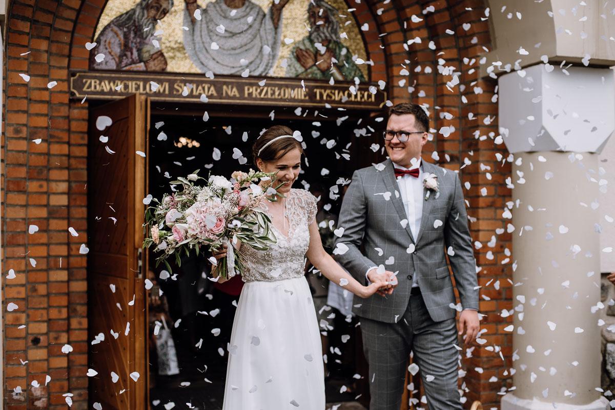 alternatywny-slub-wesele-w-stylu-slow-wedding-szklana-stodola-Bozenkowo-Swietliste-fotografujemy-emocje-Magda-Jakub-100