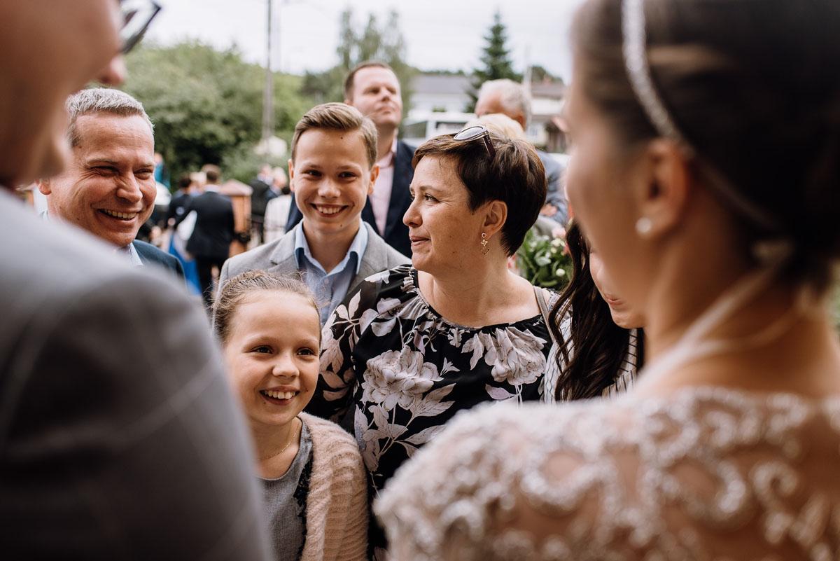 alternatywny-slub-wesele-w-stylu-slow-wedding-szklana-stodola-Bozenkowo-Swietliste-fotografujemy-emocje-Magda-Jakub-110