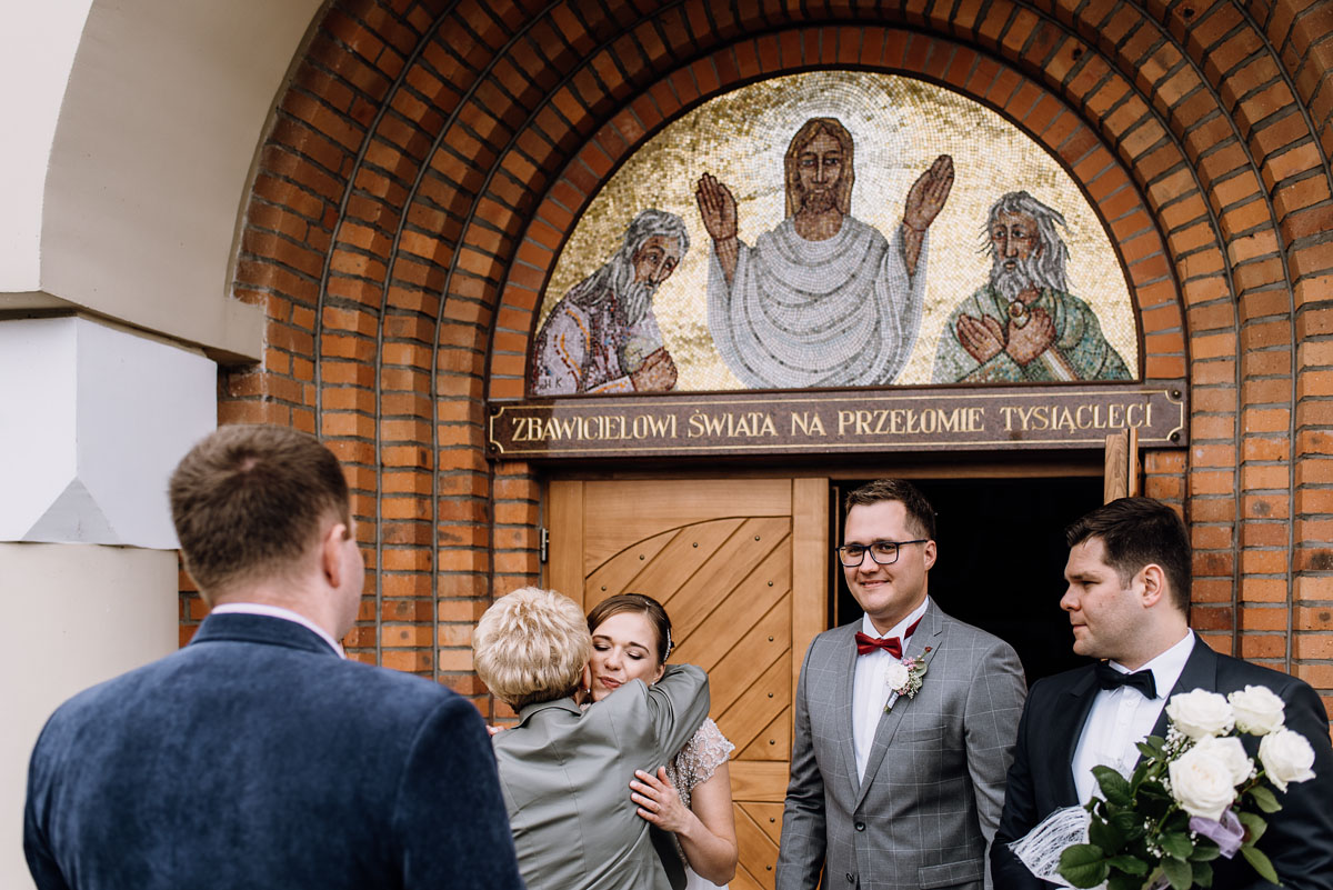 alternatywny-slub-wesele-w-stylu-slow-wedding-szklana-stodola-Bozenkowo-Swietliste-fotografujemy-emocje-Magda-Jakub-111