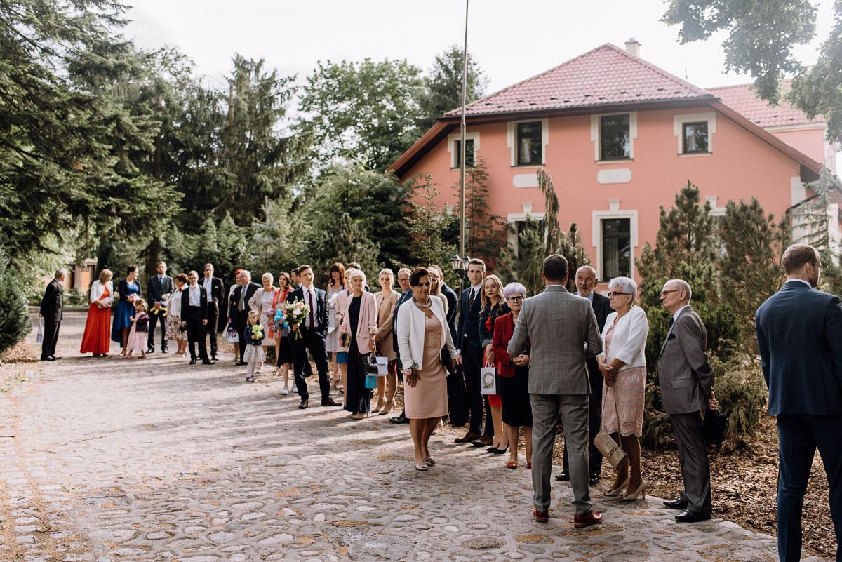 alternatywny-slub-wesele-w-stylu-slow-wedding-szklana-stodola-Bozenkowo-Swietliste-fotografujemy-emocje-Magda-Jakub-116