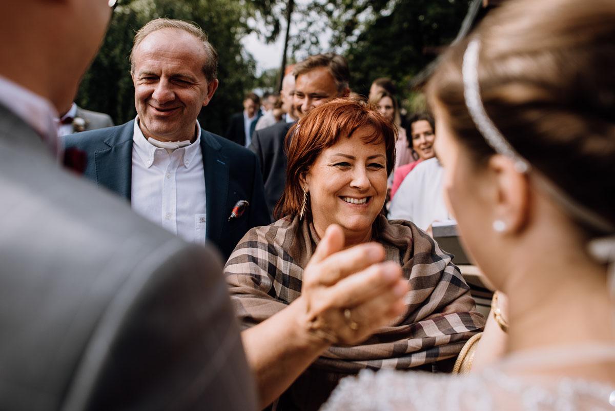 alternatywny-slub-wesele-w-stylu-slow-wedding-szklana-stodola-Bozenkowo-Swietliste-fotografujemy-emocje-Magda-Jakub-132