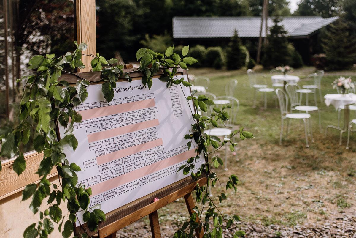alternatywny-slub-wesele-w-stylu-slow-wedding-szklana-stodola-Bozenkowo-Swietliste-fotografujemy-emocje-Magda-Jakub-139
