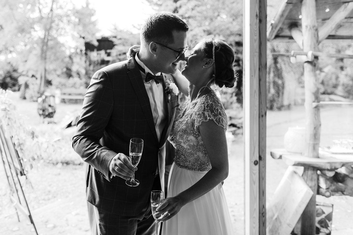 alternatywny-slub-wesele-w-stylu-slow-wedding-szklana-stodola-Bozenkowo-Swietliste-fotografujemy-emocje-Magda-Jakub-147