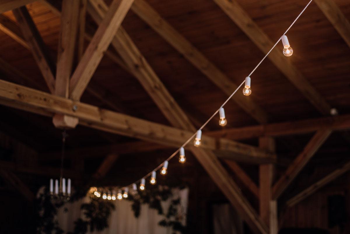 alternatywny-slub-wesele-w-stylu-slow-wedding-szklana-stodola-Bozenkowo-Swietliste-fotografujemy-emocje-Magda-Jakub-152