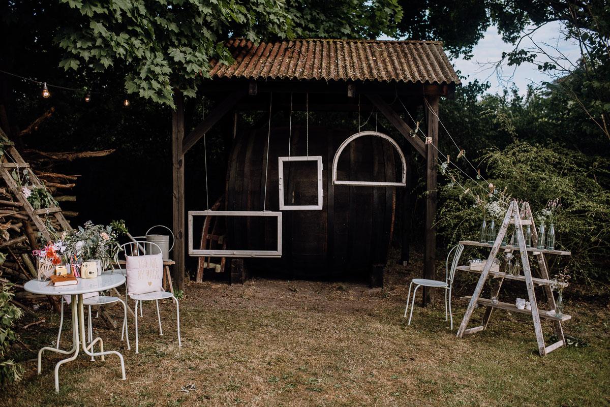 alternatywny-slub-wesele-w-stylu-slow-wedding-szklana-stodola-Bozenkowo-Swietliste-fotografujemy-emocje-Magda-Jakub-174