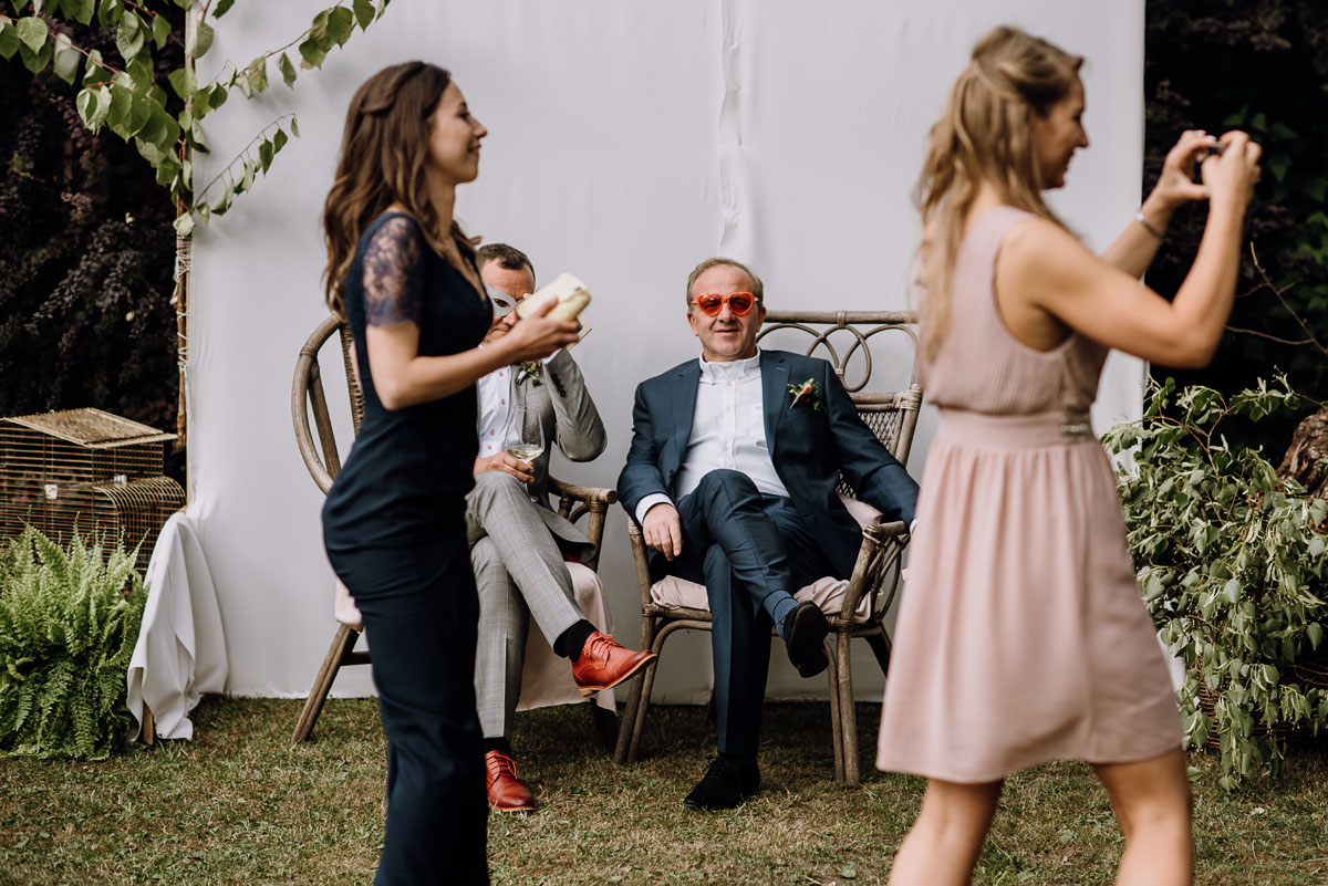 alternatywny-slub-wesele-w-stylu-slow-wedding-szklana-stodola-Bozenkowo-Swietliste-fotografujemy-emocje-Magda-Jakub-176
