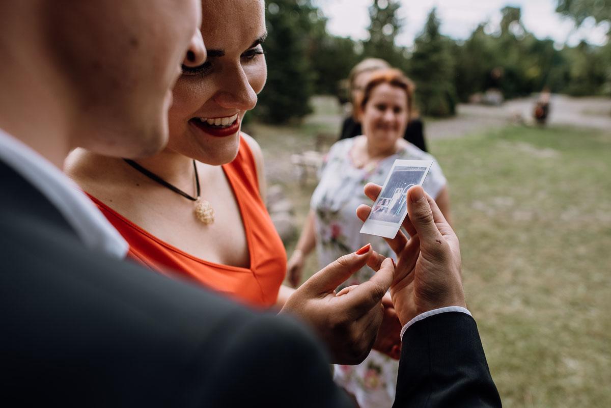 alternatywny-slub-wesele-w-stylu-slow-wedding-szklana-stodola-Bozenkowo-Swietliste-fotografujemy-emocje-Magda-Jakub-178