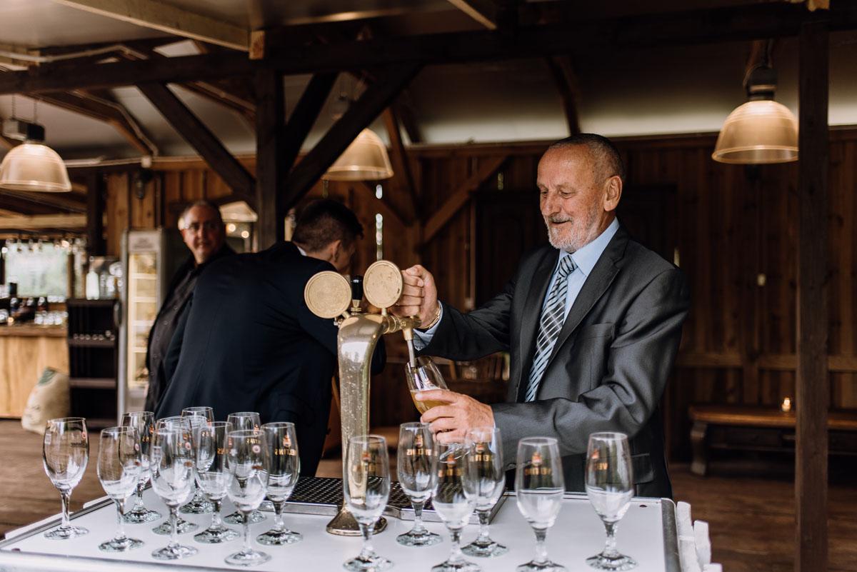 alternatywny-slub-wesele-w-stylu-slow-wedding-szklana-stodola-Bozenkowo-Swietliste-fotografujemy-emocje-Magda-Jakub-185