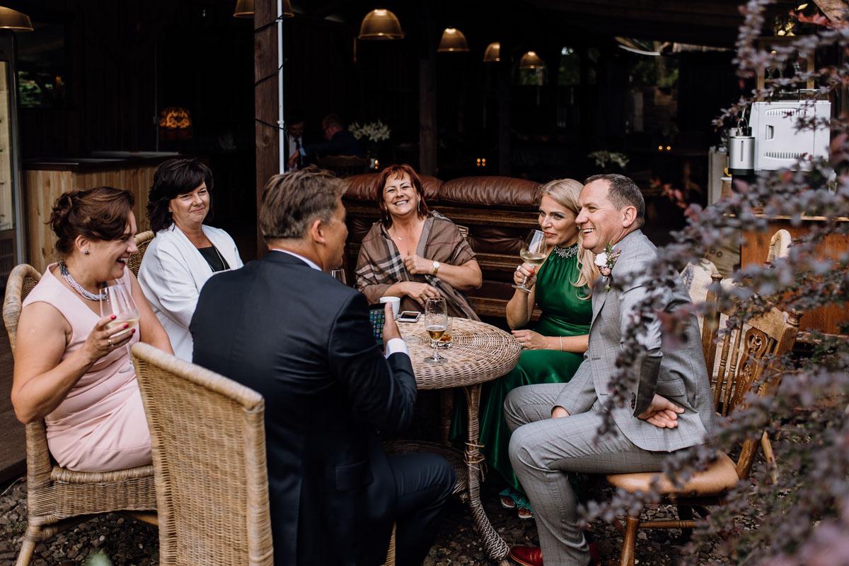 alternatywny-slub-wesele-w-stylu-slow-wedding-szklana-stodola-Bozenkowo-Swietliste-fotografujemy-emocje-Magda-Jakub-189
